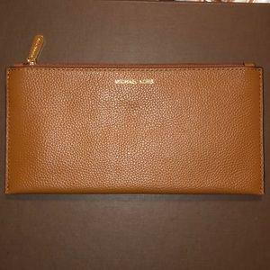 *NWOT* Michael Kors Large Zip Wallet/Clutch